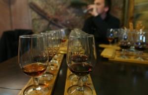 Дегустация крымских вин на винодельческом заводе Массандра