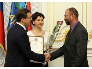 Дмитрий Азаров вручил благодарственные письма коллективу ученых-археологов и волонтерам