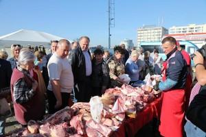 Николай Цуканов на рынке