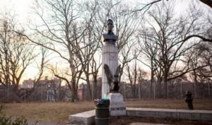 Американцы тоже люди: В США тайно установили памятник экс-агенту АНБ Эдварду Сноудену