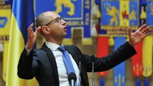 Глава кабмина Арсений Яценюк: Россия нападет на Канаду, если Оттава не даст денег Украине