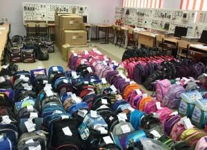 Помощь братскому народу: Жители Кубани собрали 4 тонны школьных принадлежностей для детей Донбасса