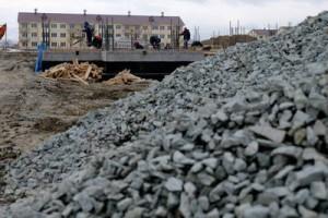 Глава региона Олег Кожемяко поручил геологам разыскать на Сахалине песок и щебень