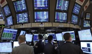 Эффект домино: Американские биржи рухнули не успев открыться