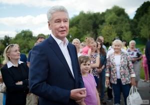 Глава Москвы Сергей Собянин пообещал благоустроить 1,5 тысячи дворов и создать ещё 53 народных парка