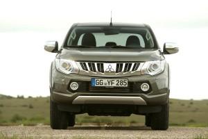Новости авторынка: В России начались продажи нового пикапа Mitsubishi L200