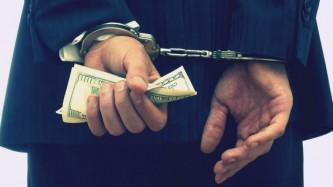 Банкиры-неудачники будут сидеть в тюрьме.