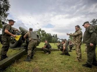 Порошенко опробовал стрельбу по жителям Донбасса