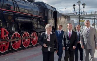 Медведев провел совещание по развитию РЖД