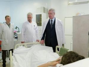 Сергей Собянин посещает пострадавших в метро.