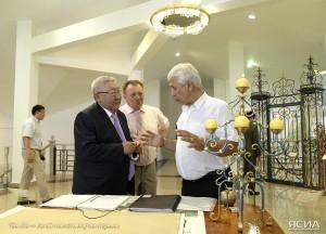 Егор Борисов на встрече с представителями интеллигенции республики.