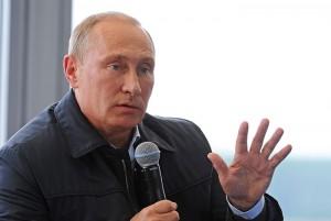 Владимир Путин во время выступления на десятом Всероссийском молодежном форуме Селигер-2014.
