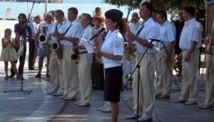 На набережной Ялты состоялось выступление оркестра культурного центра МВД по Республике Крым.
