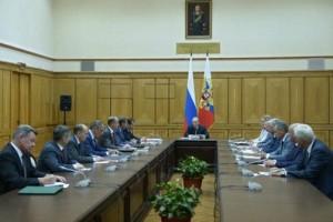 Владимир Путин провёл оперативное совещание с членами Совета Безопасности.