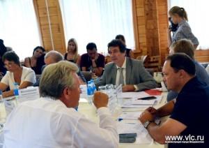 Игорь Пушкарёв подчеркнул интерес иностранных партнеров к острову