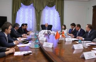 Дубровский встретился с представителями Китая